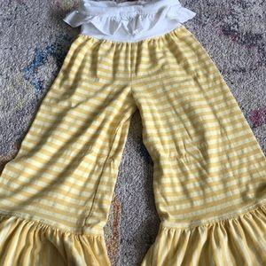 Persnickety Ruffle pants. Size 4. VGUC.